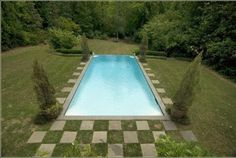 Girls weekend would be so fun around this pool!