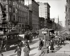 """Easter morning, New York City's Fifth Avenue (Courtesy of the National Archives) New York circa """"A Fifth Avenue stage."""" New York City circa 1908 Circa 1910 """"Fif… New York Pictures, New York Photos, Old Pictures, Old Photos, Vintage New York, 42nd Street, New York Street, Main Street, Belle Epoque"""