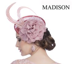 Tocado para vestidos de fiesta y madrina de Madison Diseño #tocados #pamelas #bodas #vestidosdefiesta #dresses #moda #fashion www.grupo-madison.com