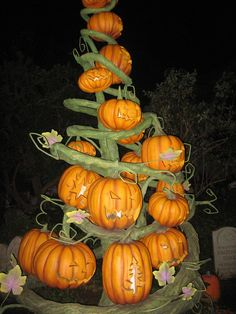 A unique shaped tree shape that looks like branches and lifesize pumpkins as Halloween tree ornaments. Halloween Christmas Tree, Halloween Ornaments, Holidays Halloween, Halloween Pumpkins, Christmas Trees, Halloween Decorations, Family Halloween, Fall Decorations, Christmas 2019