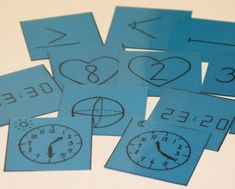 (1.-2.lk) Muistipelin tavoitteena on harjoitella opetussuunnitelman mukaisia matematiikan 1.–2.‑luokalle kuuluvia keskeisiä sisältöjä, kuten matemaattisen symbolin ja sitä vastaavan käsitteen hahmottamista, kellotaulun ja digitaalisen kellonajan yhteyttä, kymppi- eli sydänpareja ja kertolaskupareja sekä havaintojen ja syy–seuraussuhteiden tekemistä.
