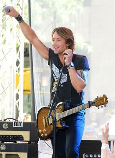 Keith Urban Photos - The Country Music Hall of Fame and Museum Debuts New 'Keith Urban So Far' Exhibition - Zimbio