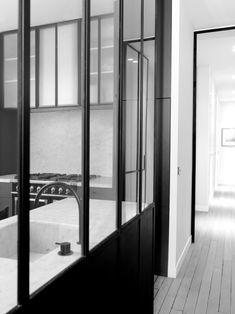 Un apartamento parisino en blanco y negro | Etxekodeco