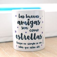 "Taza ""Las amigas son como las estrellas"" Diy Mugs, Hama Beads, Bff, Words Quotes, Mother Day Gifts, Diy Gifts, Diy And Crafts, Cricut, Mother's Day"