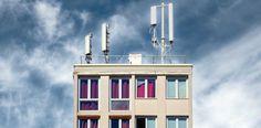 Antennes-relais sur le toit d'un immeuble parisien. Proposition, Thursday, Group