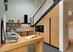 Byt skýtá nejen samostatné komory na ukládání věcí, ale i detailně propracované úložné prostory.