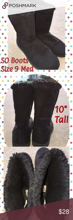 """SO Black Ugg Style Boots (size 9) In Great conditions. Very thick fuzzies inside. Black Suede outside. 1"""" Sole Shoes Winter & Rain Boots"""