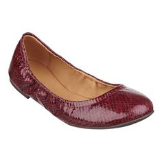 """Stylish and incredibly comfortable. That's what best describes our Andhearts casual flats with elastic edging. A perforated upper and round toe make it ever-so stylish, while a flexible sole adds go-everywhere versatility. Padded footbed for all-day comfort. Man-made upper, lining and sole. Imported. 1/4"""" low heels."""