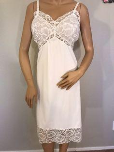 Adonna Beige Tan 100 % Antron Nylon Full Length Slip Lacetrim Size 38 Euc Women's Clothing