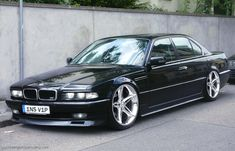 BMW 7 Series History The German car company BMW first introduced its Series 7 series in The is a full-size luxury vehicle and is only available as a four-door length or a length-length limousine. Bmw 740i, Suv Bmw, Bmw E38, Bmw Cars, Vw Mk1, Volkswagen, Bmw Tuning, Carros Bmw, Bmw Vintage
