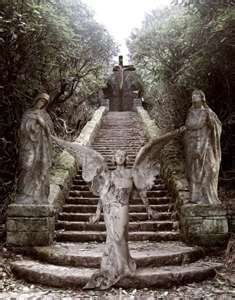 I LOVE old cemeteries, and statues. Cemetery Angels, Cemetery Statues, Cemetery Art, Angels Among Us, Angels And Demons, Old Cemeteries, Graveyards, I Believe In Angels, Ange Demon