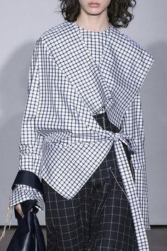 Gabriele Colangelo Fall 2017 @samsonchoi Style Casual, My Style, Rare Clothing, Fashion Details, Fashion Design, Street Style Edgy, Fashion Outfits, Womens Fashion, Pattern Fashion