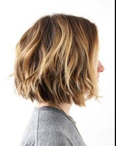 wedding 21 Textured Choppy Bob Hairstyles: Short, Shoulder Length Hair Choppy bob hairstyles are definitely a favorite among women of all ages, creati. Choppy Bob Haircuts, Best Bob Haircuts, Thin Hair Haircuts, Medium Bob Hairstyles, Hairstyles Haircuts, School Hairstyles, Choppy Haircuts, Haircut Short, Haircut Bob