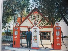 Old Texaco Gas station....Full Service :)  You can always trust your car with the man who wears a star... (Old TV Commercial)
