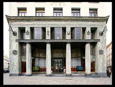 Goldman & Salatsch (Looshaus) [1910-11]- Vienna Ornament And Crime, Modernist Movement, Global Style, Facade Design, Paris, Prefab, Art And Architecture, Vienna, Entrance