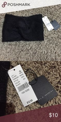 Headband beanie wrap NWT Stretchs and is extremely warm and comfy! I have to many of these so that's the reason I'm selling this one. Looks extremely cute on and / or makes the perfect gift offer button only please L.A. Hearts PACSUN Accessories Hats