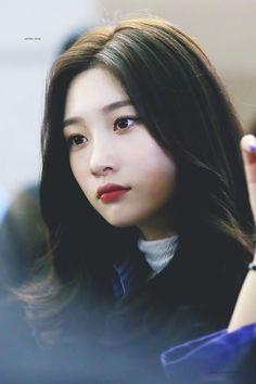 #Chaeyeon #DIA #채연 #다이아 Kpop Girl Groups, Korean Girl Groups, Kpop Girls, Cute Korean Girl, Asian Girl, Real Life Princesses, Jung Chaeyeon, Cute Girl Face, K Idol