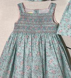 Smocked Baby Clothes, Smocked Dresses, Smocking Patterns, Smock Dress, Baby Sewing, Kids Wear, Dressmaking, Beautiful Dresses, Smoking