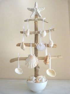 I LOVE this Beach themed Christmas Tree made from reclaimed beach driftwood. The Christmas ornaments fashioned from found beach sea shells add the perfect touch! ~ :hearts: