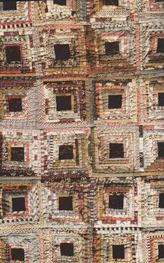 Old Quilts, Antique Quilts, Scrappy Quilts, Vintage Quilts, Log Cabin Quilt Pattern, Log Cabin Quilts, Log Cabins, Rustic Cabins, Quilting Projects
