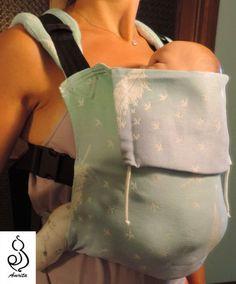 posizione anteriore - taglia piccola (indossato con bambola piccola)