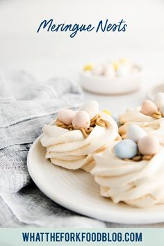 These Easter Meringue Nests make the perfect dessert for Easter! Not only are they delicious, they're super adorable and would make a great centerpiece for your Easter tablescape. These individual baked meringues, aka mini pavlovas, are a naturally gluten free dessert. Fill them with mini Cadbury Eggs or your favorite allergy-friendly candy. Gluten free Easter dessert recipe from @whattheforkblog - visit whattheforkfoodblog.com for more gluten free baking and gluten free dessert recipes. Easy Pie Recipes, Best Dessert Recipes, Sweet Desserts, Cookie Recipes, Baked Meringue, Meringue Desserts, Cadbury Eggs, Easter Dishes, Fruit Cobbler