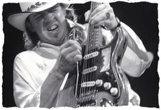 """On October former Texas Governor Ann Richards proclaimed October """"Stevie Ray Vaughan Day"""" in the State Of Texas in honor of Stevie's birth. And while he's no longer with us, we'll always have his music and these rare photos of him to remember SRV by. Jimmie Vaughan, Best Guitarist, Stevie Ray Vaughan, Extraordinary People, Blues Rock, Music Photo, Record Producer, Good Music, Fotografia"""