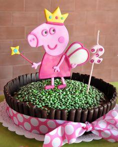 Decoración cumpleaños Peppa Pig   Chica outlet Peppa Pig Princesa, Bolo Da Peppa Pig, Cumple Peppa Pig, 2nd Birthday Photos, Pig Birthday, Third Birthday, Birthday Parties, Peppa Big, Pig Party