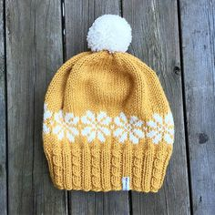 I heard Stockholm is cold this weekend so i knitted this easterhat Baby Knits, Stockholm, Diy Clothes, Baby Knitting, Knitted Hats, Free Pattern, Knitwear, Beanie, Inspire