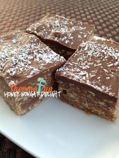 Recipe Honey Nougat Delight - ThermoFun by leonie, learn to make this recipe easily in your kitchen machine and discover other Thermomix recipes in Desserts & sweets. Sweets Recipes, Cooking Recipes, Paleo Recipes, Bellini Recipe, Decadent Food, Thermomix Desserts, Gluten Free Chocolate, Mint Chocolate, Wrap Recipes
