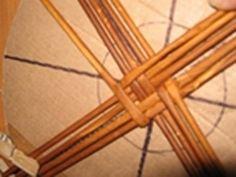 papierowa wiklina jak zrobic dno koszyka (7)