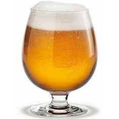 Szklanka do piwa Det Danske zaprojektowana przez Torbena Jorgensena, jako uniwersalne szkło do wszystkich gatunków piwa. Projektant skupił się na dwóch prostych założeniach: zachowanie najlepszego bukietu piwa oraz takie wyważenie szkła, aby leżało komfortowo w dłoni.   Holmegaard , duńska fabryka szkła i sztuki użytkowej, powstała w 1825 roku i działa nieprzerwanie do dnia dzisiejszego. Dla Holmegaard pracują i projektują najlepsi duńscy projektanci i artyści. W ofercie tej marki…