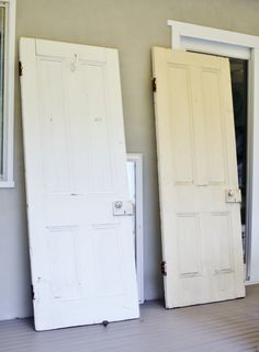 beach cottage blog vintage door decorating
