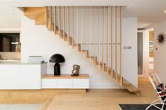 Elegant staircase with Scandinavian flair [Design: Martyn Clarke Architecture] Staircase Styles, House Stairs, House Design, Interior Stairs, Interior, Staircase Railings, Interior Architecture, Staircase Design, House Interior