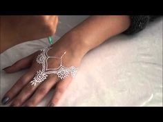 ▶ BEGINNERS TUTORIAL on Henna paste and cone (tube) making. - YouTube White Henna Tattoo, Tattoo Henna, Henna Mehndi, Hand Henna, Mehendi, Temporary Tattoo Designs, Henna Tattoo Designs, Hannah Tattoo, Henna Stencils