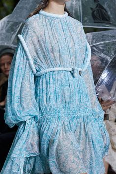Lanvin Spring 2020 Ready-to-Wear Collection - Vogue Fashion Week, Fashion 2020, Spring Fashion, High Fashion, Fashion Show, Gothic Fashion, Lanvin, Style Édouardien, Style Haute Couture