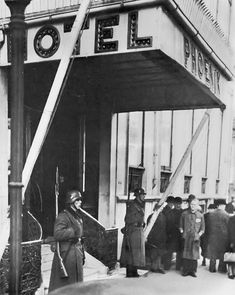 Dronning Tværgade - efter WW2 holdt Land og Folk og DKP til her