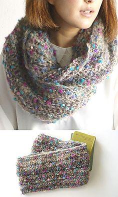 Ravelry: Lucy Cowl pattern by Pierrot (Gosyo Co., Ltd)