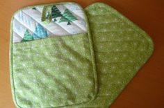 Potholders with pockets.  I need to make a batch of these for Christmas gifts.