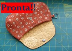 The clamshell small bag tutorial Sewing Tutorials, Sewing Crafts, Sewing Projects, Sewing Patterns, Pencil Case Pouch, Pouch Bag, Pouches, Tutorial Envelope, Diy Trousse