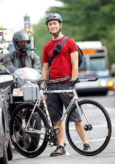 Joseph Gordon-Levitt as a bike courier Wilee. Premium Rush