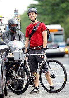 """Joseph Gordon-Levitt portrays the character of Wilee in the movie """"Premium Rush""""......."""