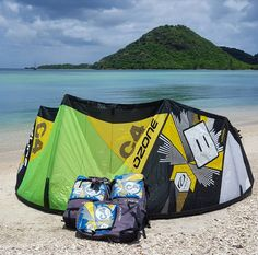 Tag a friend who is in need of a new quiver! Got some used kites going for a GOOD price  #Kiteboarding #Kitesurfing #Ozonekites #OzoneC4