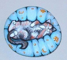 Pets in Pet Beds/ cushions/ pillows Pebble Stone, Stone Art, Hand Painted Rocks, Painted Stones, Animal Doodles, Old Rock, Stone Painting, Rock Painting, Bed Cushions