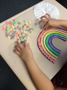 St. Patrick's Day craft: fun fine motor activity.... cute for kindergarten party
