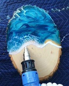 Such realistic waves! Epoxy resin pigment is avail Diy Resin Art, Diy Resin Crafts, Art Diy, Diy Resin Projects, Stick Crafts, Glue Crafts, Wood Crafts, Epoxy Resin Wood, Diy Epoxy