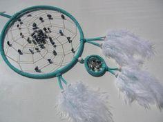 Sodalith (blau-weiß) im türkisfarbenen Traumfänger von Hochwertige  Traumfänger, Schmuck, Bilder u.v.m. auf DaWanda.com