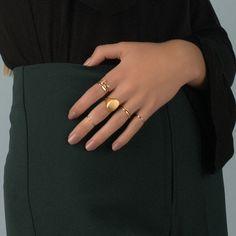 merewif-eliot-signet-ring-wearing.jpg