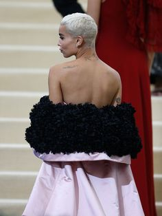 "Zoe Kravitz Photos Photos - Zoe Kravitz attends""Rei Kawakubo/Comme des Garcons: Art Of The In-Between"" Costume Institute Gala - O at Metropolitan Museum of Art on May 1, 2017 in New York City. - 'Rei Kawakubo/Comme des Garcons: Art of the In-Between' Costume Institute Gala - Outside Arrivals"