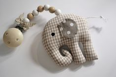 Elefant als Kinderwagenanhänger, Spielzeug für Babys, Dekoration fürs Kinderzimmer / elephant as stroller trailer, toy for babys, childrens room decoration made by Babyzeit via DaWanda.com